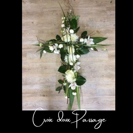 Fleuriste foliole bouquet fleurs funeraire croix doux passage