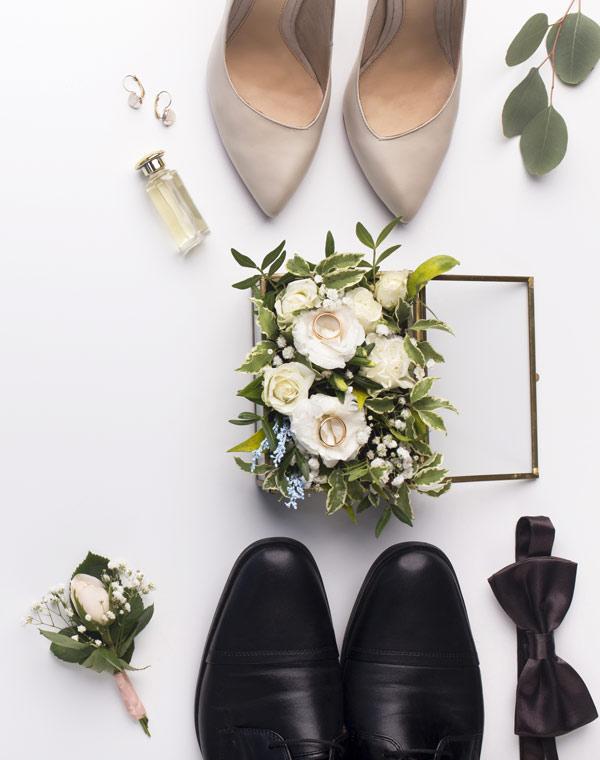 Fleurs Boutonnière pour les mariées